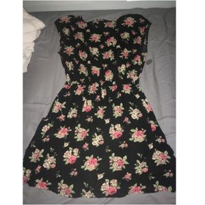 Elastic waste flowered dress
